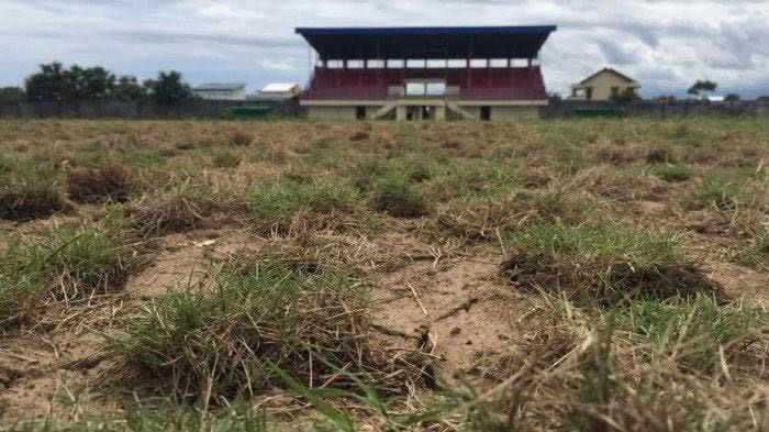 kondisi-rumput-stadion-mini-bulukumba-beberapa-waktu-lalu.jpg