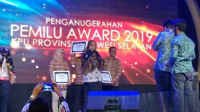 KPU Pangkep Sabet Empat Penghargaan di Pemilu Award 2019