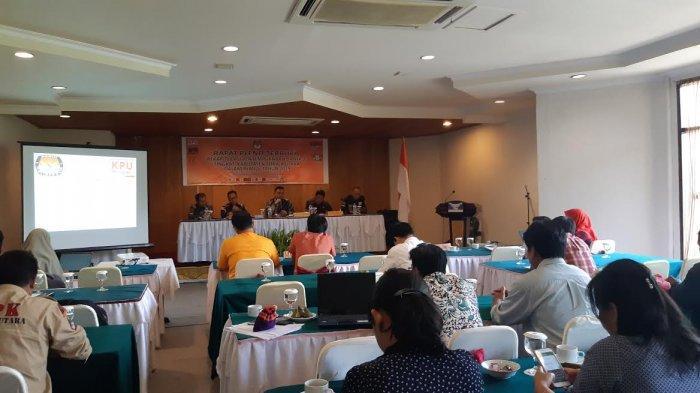 KPU Toraja Utara Rapat Pleno Rekapitulasi Penyempurnaan dan Penetapan DPTHP 2