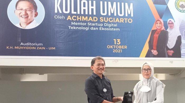 Kuliah Umum UIM Makassar Hadirkan Achmad Sugianto, Rektor Majda Zain Tekankan Inovasi ke Mahasiswa