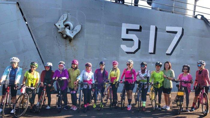 Masih Momen Hari Kartini, Ladys Bike - E2G Woman Gowes Gunakan Kebaya