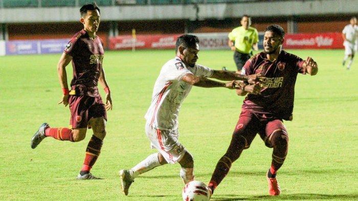 Laga PSM vs Persija di leg 1 babak semifinal Piala Menpora 2021 di Stadion Maguwoharjo, Sleman, Yogyakarta, Kamis (15/4/2021).