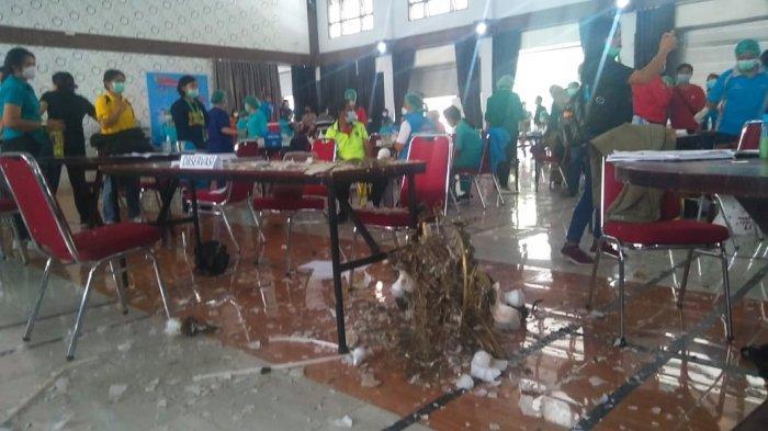 Detik-detik Lampu dan Plafon Gedung Runtuh, Timpa Peserta Vaksin di Tana Toraja