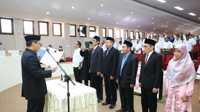 Wali Kota Makassar Lantik Komisioner LPI PBJ, Ini Nama-Namanya - lantik-pbj2_20180207_174946.jpg