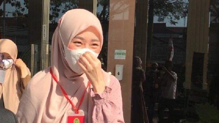Resmi Cerai dari Alvin Faiz, Larissa Chou Tertawa & Mengaku Lega 'Harus Lebih Kerja Keras Kayaknya'