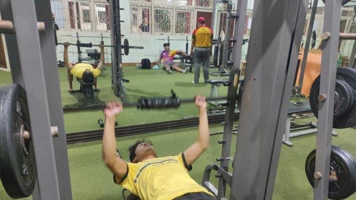 Jelang PON Papua, Atlet Bulutangkis Sulsel Intensif Latihan Teknik dan Fisik