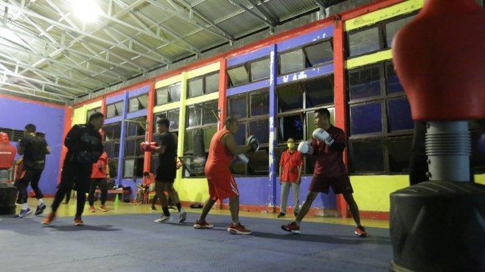 Latihan bersama tlet tinju makassar dengan atlet Olimpiade di Kota Manado