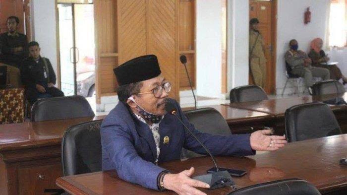 Dishub Bulukumba Bongkar Pembatas Jalan Samratulangi, Legislator PAN: Jangan Seenaknya Dong
