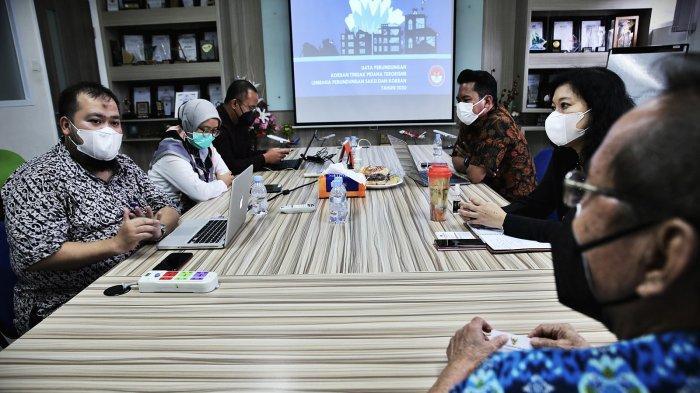 Lembaga Perlindungan Saksi dan Korban (LPSK), mengunjungi Kantor Tribun Timur, di Jl. Cendrawasih, Kecamatan Mamajang, Kota Makassar, Kamis (21/1/2021).