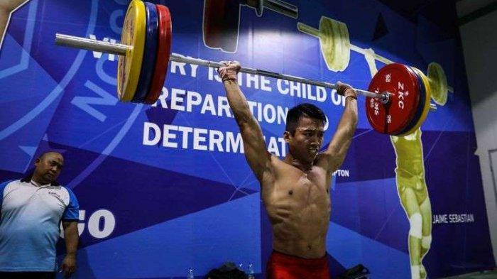 HEBAT! Sukses Angkat 325 kg, Deni Sumbang Emas ke-11 untuk Indonesia di SEA Games 2019