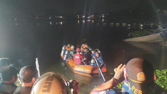 5 Penyelam Cari Korban Tenggelam di Danau Tanjung Bunga Makassar