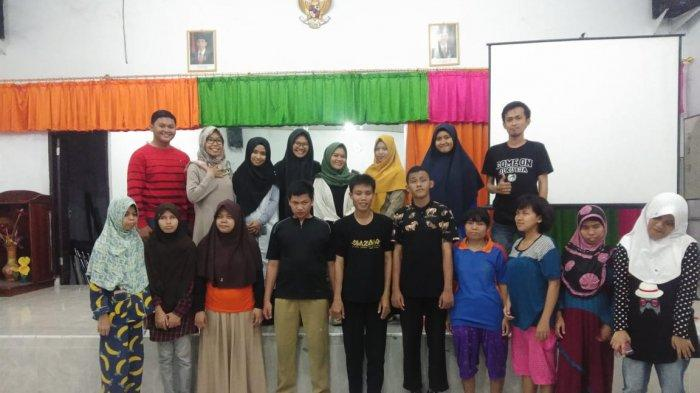 Kolaborasi Komunitas, Lingkar Cerita Tingkatkan Kemampuan Literasi Pemuda Difabel Netra - lingkar-cerita-1-29102019.jpg
