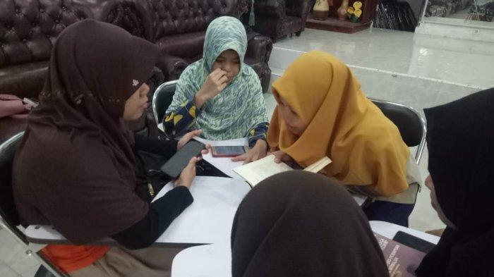 Kolaborasi Komunitas, Lingkar Cerita Tingkatkan Kemampuan Literasi Pemuda Difabel Netra - lingkar-cerita-2-29102019.jpg