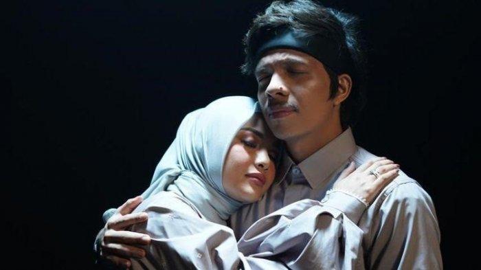 Lirik 'Takbir' Lagu Terbaru Atta Halilintar dan Aurel Hermansyah, Ditonton Sudah 1,4 Juta Kali