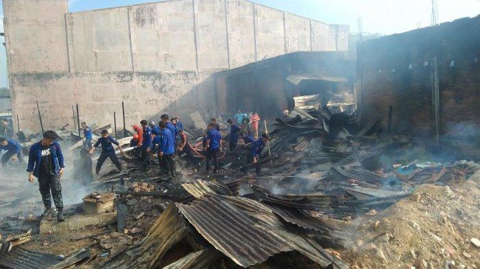 55 Lapak Pedagang Hangus Dilalap Api di Pasar Sentral Pangkep