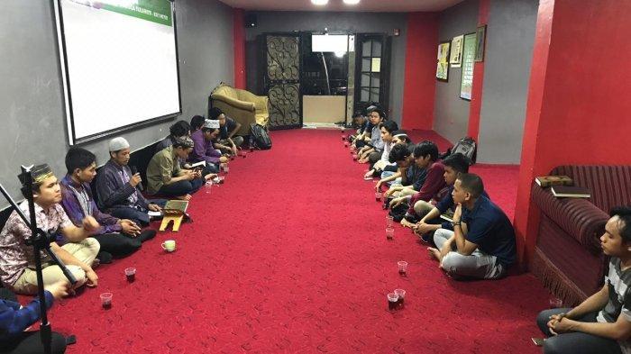 Mahasiswa Sulawesi di Mesir Khatam Alquran untuk Almarhum Habibie