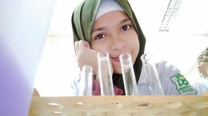 Karminingsih, Mahasiswi UIN Alauddin Raih Medali Perunggu Kompetisi Sains Indonesia