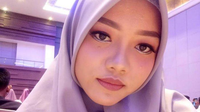 Maya Ogah Pakai Softlens: Syukuri Apa yang Ada