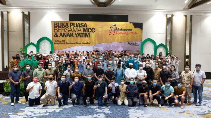 Makassar Cycling Club Ajak Anak Yatim Buka Puasa Bersama