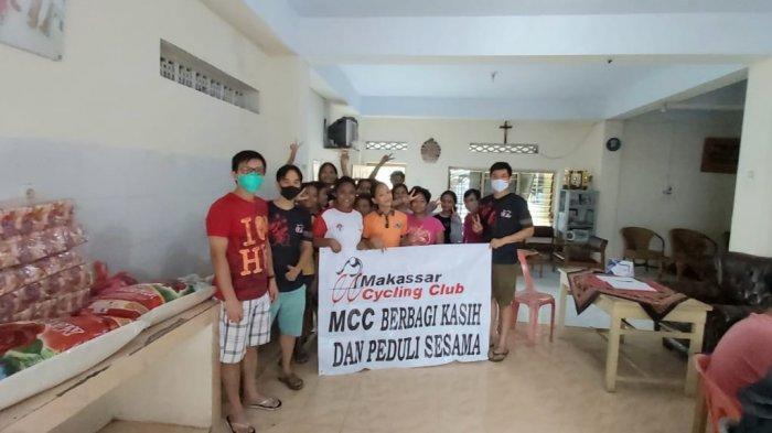 Sambut Natal, MCC Berbagi Kasih ke Panti Asuhan dan Gereja di Kota Makassar