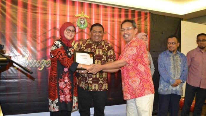 Fakultas Hukum Raih Anugerah Terbaik Prestasi Kemahasiswaan Unhas
