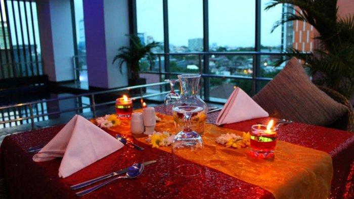 Valentine di Sky Lounge Hotel Arthama, Sambil Lihat Vie 360 Derat Kota Makassar