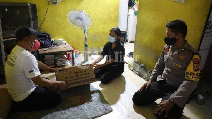 FOTO; Astra Graphia Serahkan Bantuan ke Warga Kelurahan Rappocini Makassar - manajemen-pt-astra-graphia-memberikan-bantuan-kepada-warga-di-lorong-5-2.jpg