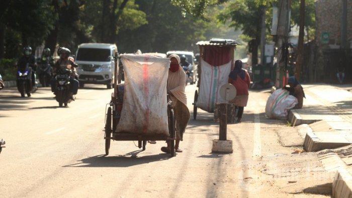 FOTO: Manusia Gerobak Mulai Menjamur di Jl Hertasning - manusia-gerobak-2.jpg