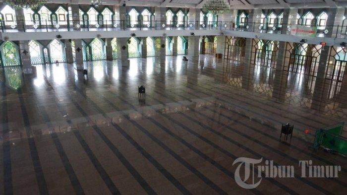 FOTO: Kondisi Masjid Almarkaz Jelang Salat Jumat - markaz-al-islami-jelang-salat-jumat.jpg