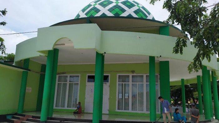 Masjid di Pantai Seruni Bantaeng Ditutup, Kafe Tetap Buka