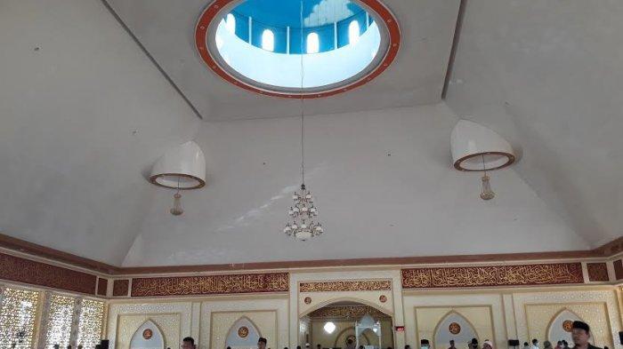 Bupati Luwu Timur Tarwih Perdana di Masjid Babul Khair Puncak Indah