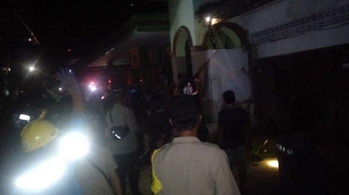 Masjid Raodatul Abadi Jl Husein Jeddawi Bone Terbakar