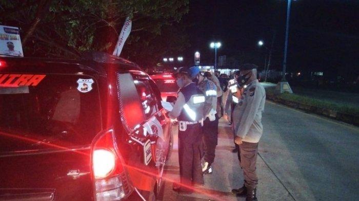 BREAKING NEWS - Melintas Malam-malam Agar Lolos di Perbatasan, 4 Rombongan Pemudik Disuruh Balik