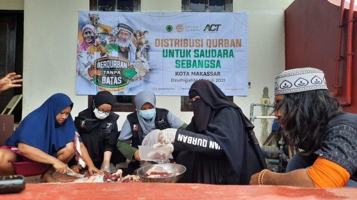 Kampung Pemulung di Makassar Dapat Tiga Ekor Sapi Qurban dari GQ ACT Sulsel