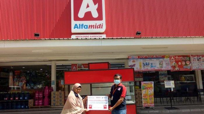 Alfamidi Makassar Bagikan 7 Gerobak Kekinian ke UMKM
