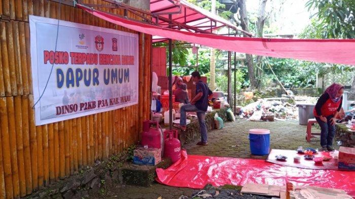Pemkab Wajo Dirikan Dapur Umum, Layani Makan Siang & Malam untuk Pengungsi Banjir dan Relawan