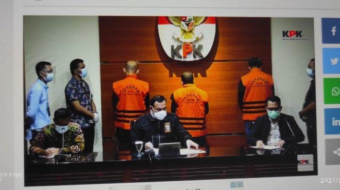 BREAKING NEWS: KPK Temukan Uang Rp 2 M, Nurdin Abdullah Resmi Tersangka - menggunakan-rompi-tahanan-kpk.jpg