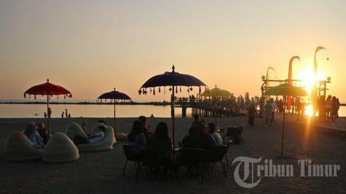 Menikmati Indahnya Senja Makassar ala Bali di Zona Nyaman Pantai Akkarena