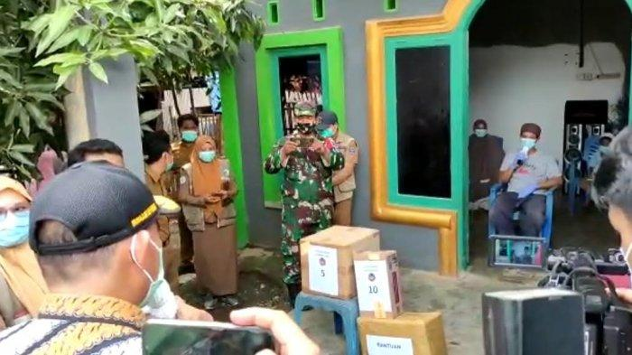 Menko PMK RI Kunjungi Tempat Pasien Covid 19 di Kalimporo Jeneponto