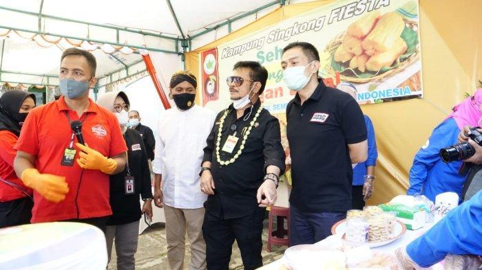Mentan Syahrul Yasin Limpo saat memberikan arahannya pada peresmian Kampung Singkong di Desa Ledok, Kecamatan Argomulya, Salatiga, Selasa (12/10/2021).