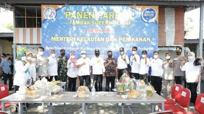 Wabup Takalar dan Menteri KKP Panen Parsial Tambak Superintensif di Punaga