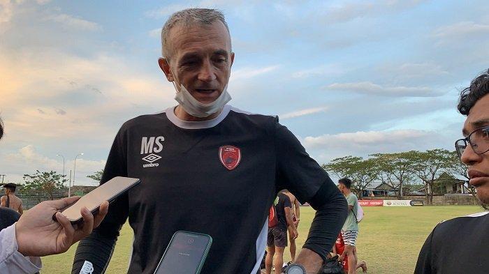 Punya Pemain Level Timnas, Pelatih PSM Milomir Seslija Tak Gentar Hadapi Madura United