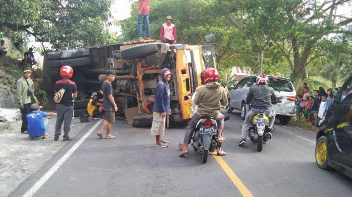 Kronologi Truk Bermuatan Nikel 40 Ton Terguling Ditanjakan Balang Baru Jeneponto