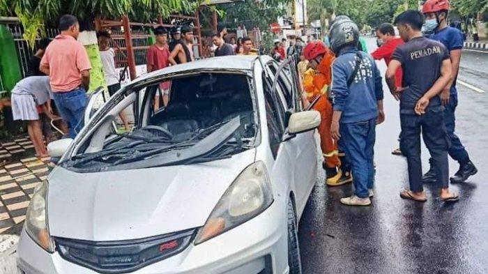 Bawa 10 Jerigen BBM, Mobil Minibus Terbakar di Parepare