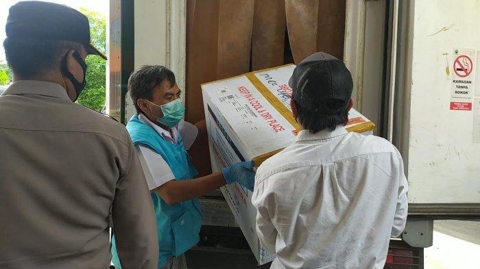 Dikawal Personel Polda Sulsel, 2.840 Dosis Vaksin Covid-19 Tiba di Bantaeng