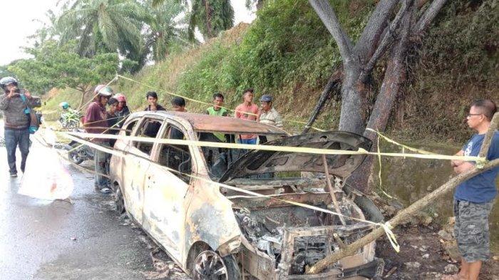 Minibus Terbakar Bersama Uang Rp 23 Juta di Lariang Pasangkayu