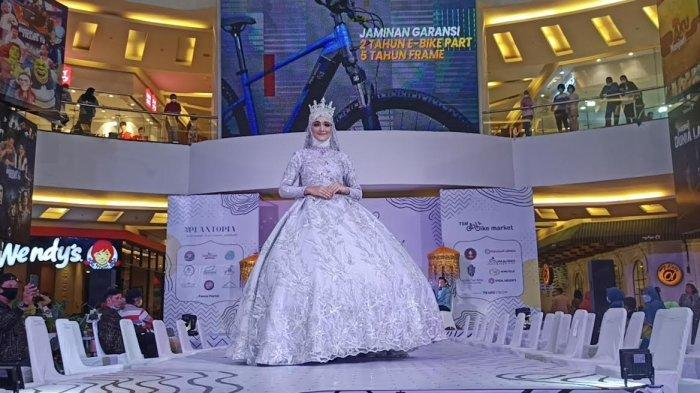 Deva Tampilkan 21 Busana Pengantin di Makassar Fashion Point TSM, Ada Konsep Mandar hingga Modern