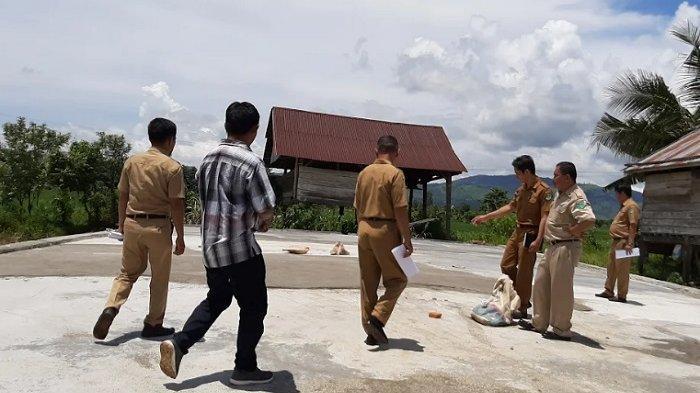 Tim PPM Monitoring Rumah Kompos di Desa Parumpanai