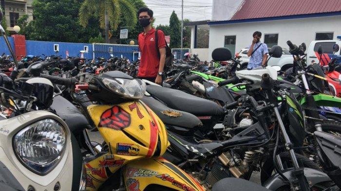 Puluhan Sepeda Motor Hasil Operasi Balap Liar Menumpuk di Kantor Satlantas Polres Bulukumba