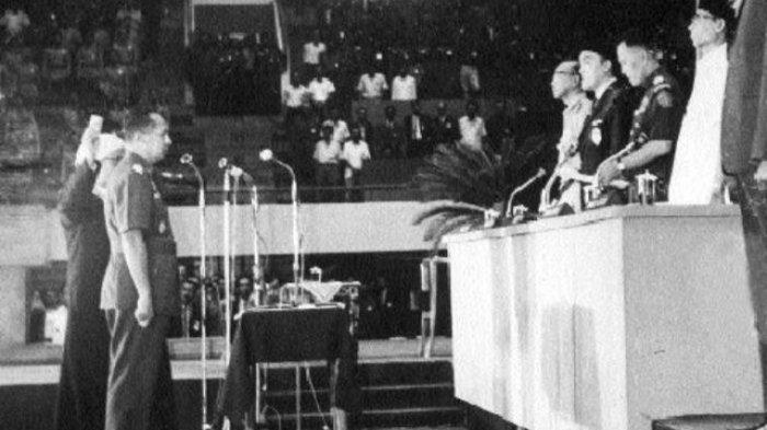 Masih Ingat 7 Maret, MPRS Jatuhkan Soekarno Dari Kursi Presiden Republik Indonesia